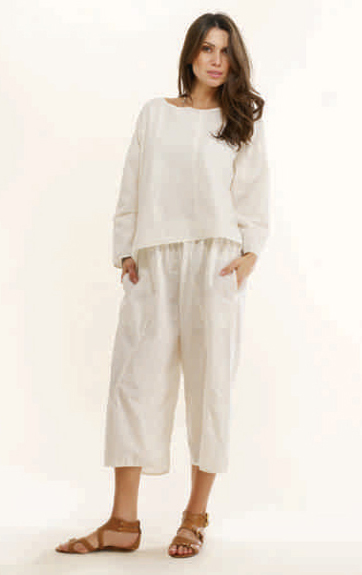 Luna Luz Garment Dyed Linen Angle Seam Long Sleeve Top and Pill On Capri